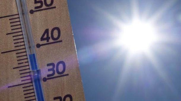 https://www.venado24.com.ar/archivos24/uploads/2015/12/ola-de-calor.jpg