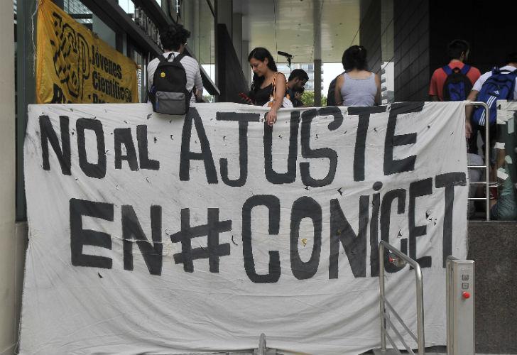 20170208-protesta-recortes-conicet