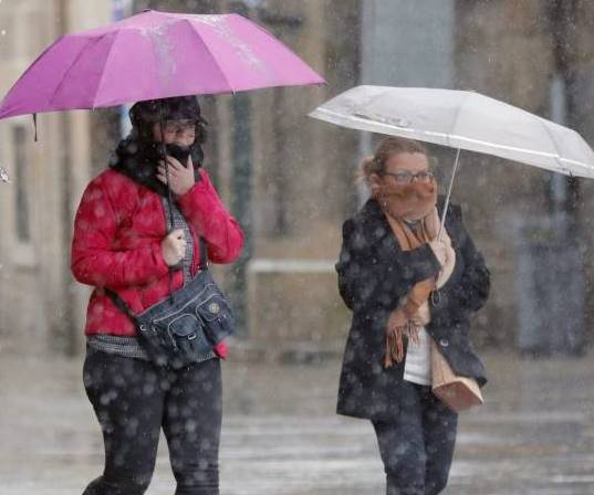 https://www.venado24.com.ar/archivos24/uploads/2018/07/alerta-por-viento-lluvia-y-olas-en-el-norte-y-mas-precipitaciones-nieve-y-frio-para-reyes.jpg