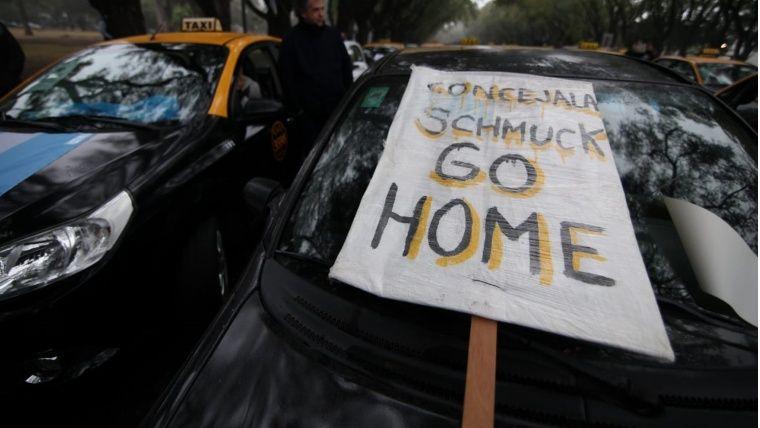https://www.venado24.com.ar/archivos24/uploads/2018/07/uber-taxi.jpg
