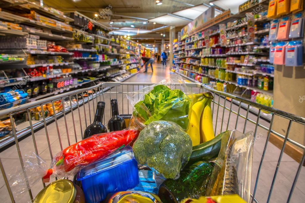 https://www.venado24.com.ar/archivos24/uploads/2019/01/depositphotos_90446458-stock-photo-supermarket-cart-filled-up-with.jpg