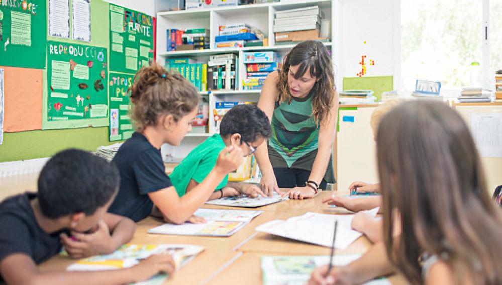 https://www.venado24.com.ar/archivos24/uploads/2019/02/francia-escuela.jpg
