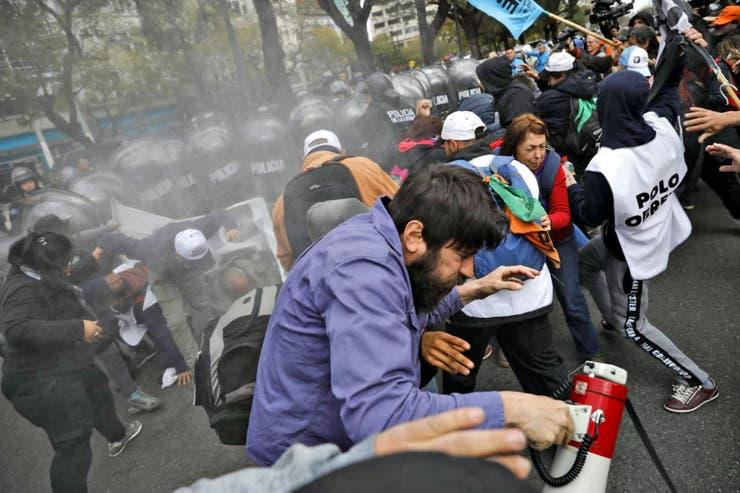 https://www.venado24.com.ar/archivos24/uploads/2019/09/movimientos-2.jpg