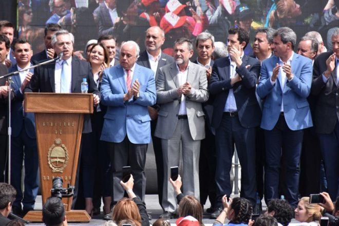 Alberto Fernández cierra un foro de intendentes peronistas en Rosario