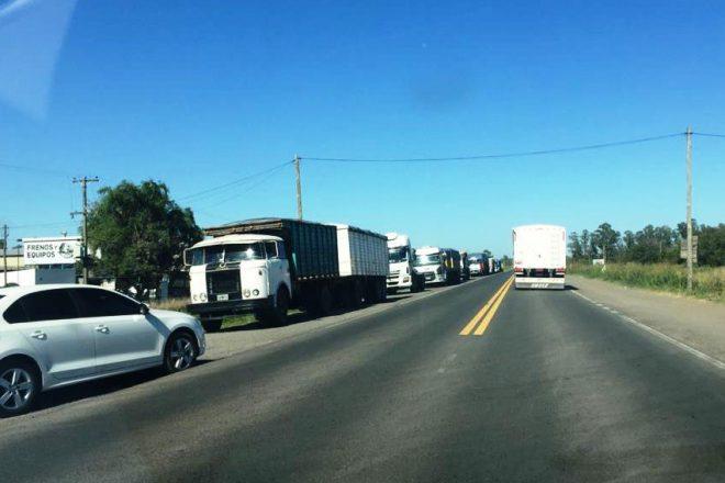 Ruta peligrosa: Rostom pide una playa para los camiones que esperan en la VTV