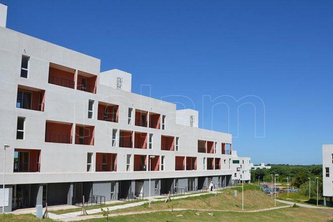 Fernández presenta un programa de créditos para refacción y construcción de viviendas