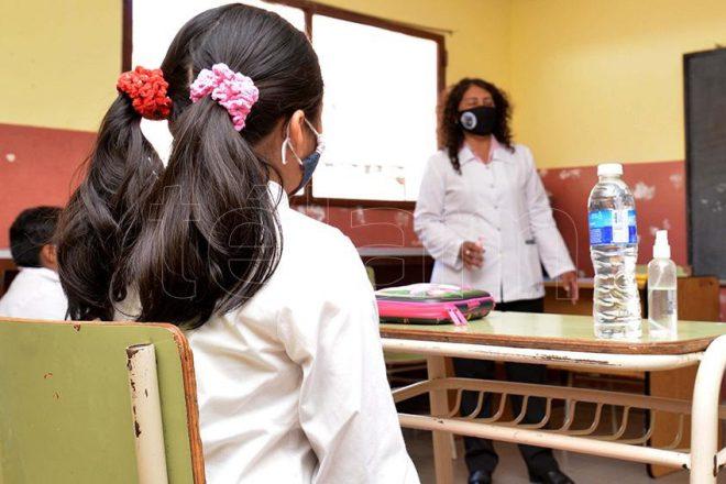 El Ministerio de Educación de Santa Fe confirmó que habrá presencialidad alternada en los niveles de escolaridad obligatorios