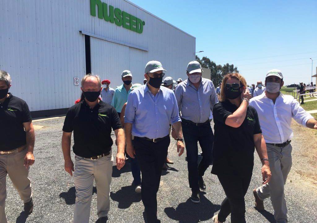 El ministro Domínguez y el gobernador Perotti elogiaron en la región el desarrollo de la industria semillera
